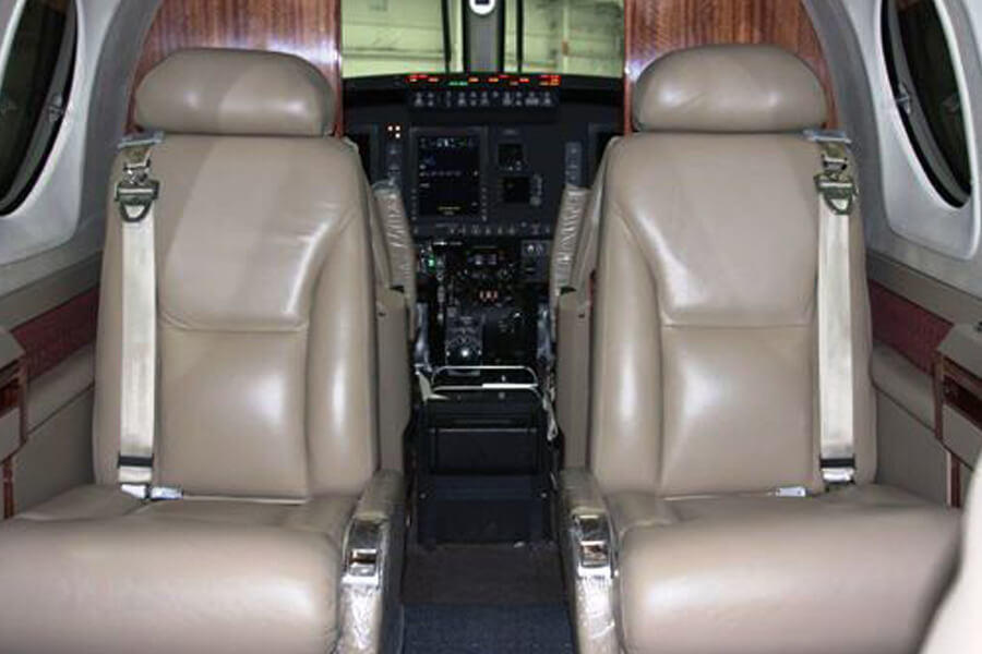 Beechcraft King Air C90GTi inside