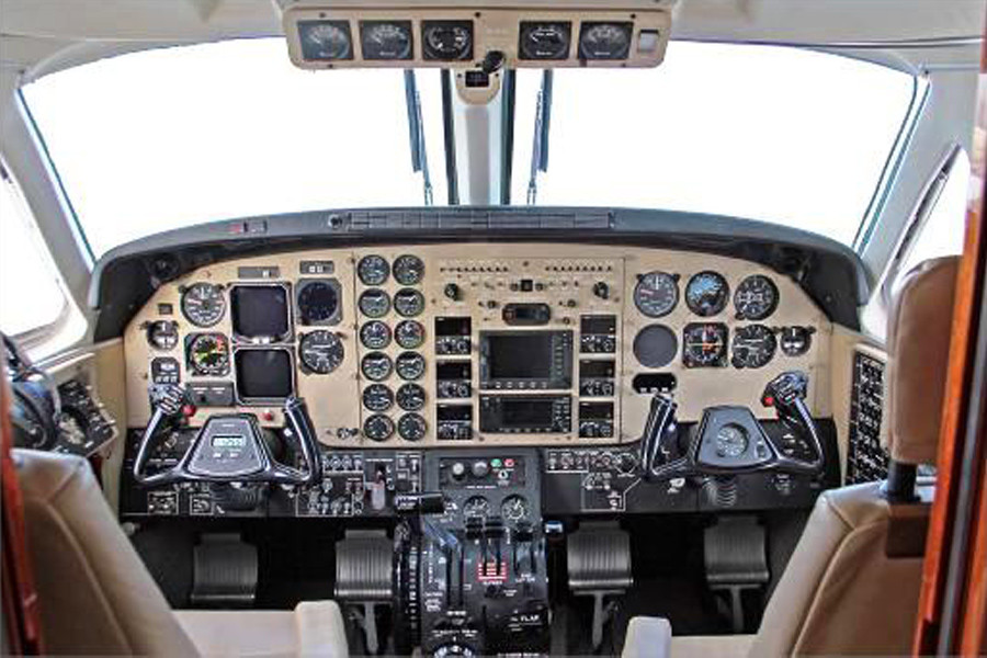 Beechcraft KingAir C90GT Cockpit