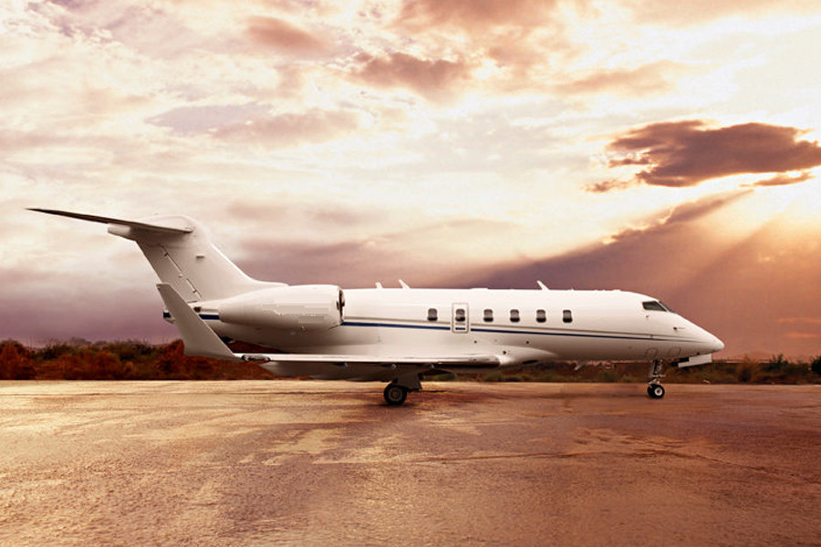 Bombardier Challenger 300 Outside