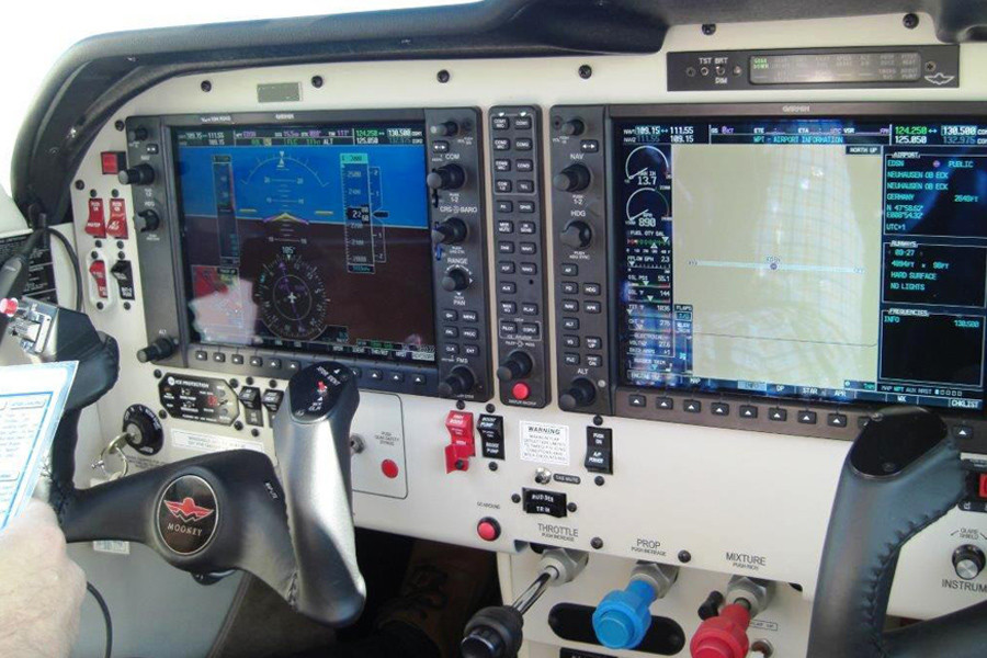 Mooney Acclaim S M20TN Cockpit