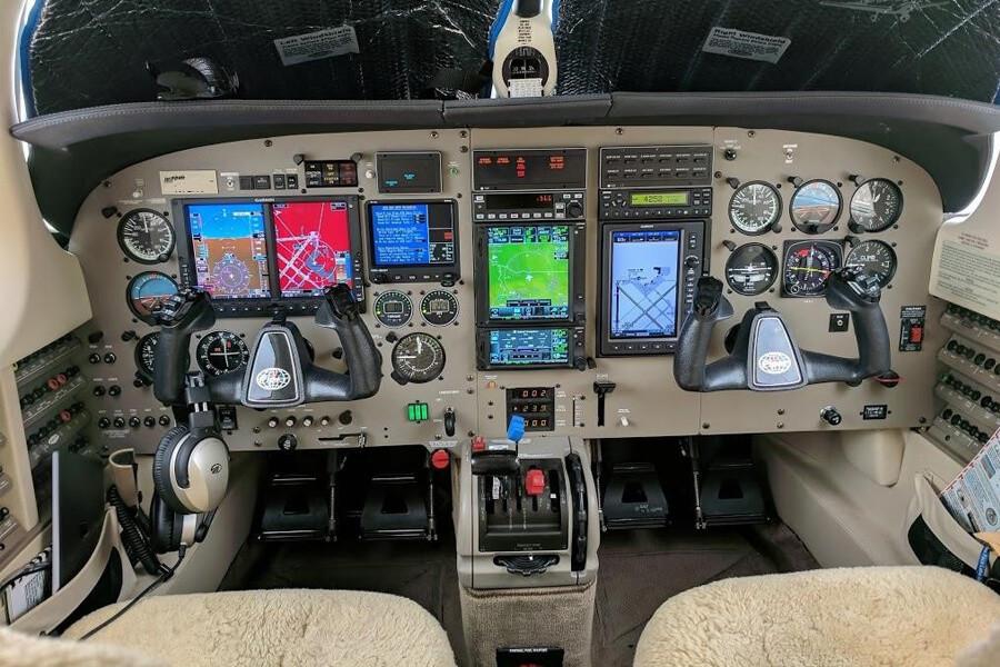 Piper Jetprop cockpit