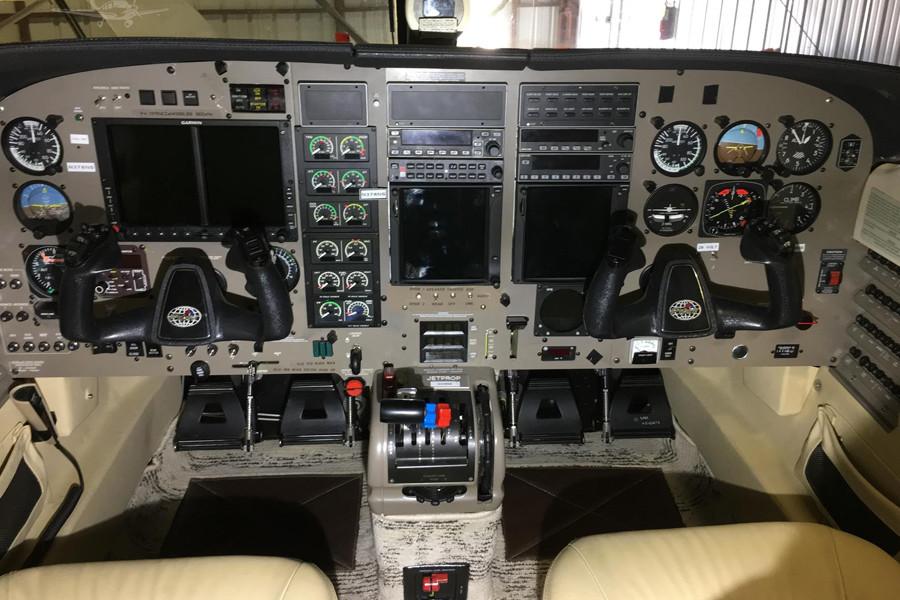 Piper Jetprop DLX35 cockpit